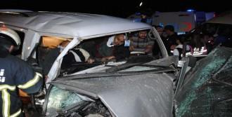İki Ayrı Kazada 4 Ölü, 13 Yaralı