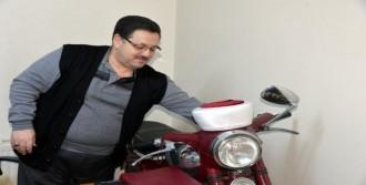 İmam Odasında Motosiklet Var