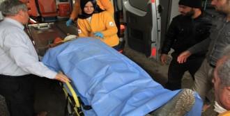 İnşaat İşçisi, 6'ncı Kattan Düşüp Ağır Yaralandı