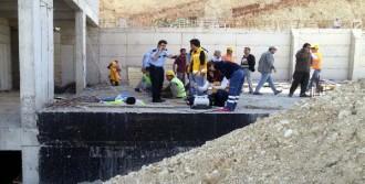 İnşaatın 8'inci Katından Düşen İşçi Öldü