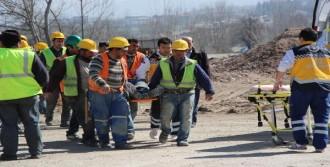 İnşaatta İskeleden Düşen İşçi Yaralandı