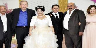İnternetten Tanıştığı Meksikalı Kızla Evlendi