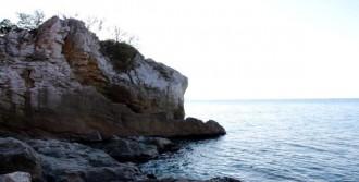İntihara Kalkışan Liseli Kızı Deniz Polisi Kurtardı