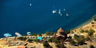 İranlılar Van Gölü'ne Plaj İstiyor