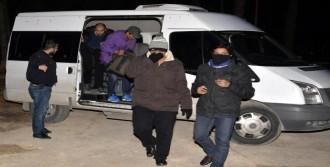 IŞİD'e Katılmak İsteyen 4 Kişi Lüks Otelde Yakalandı
