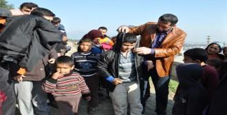 İslahiye'de 200 Çocuğa Kaban Dağıtıldı