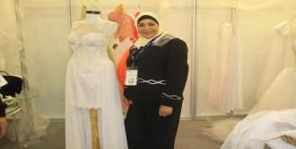 İsrail'den İzmir'deki Gelinlik Fuarı'na Geldi