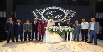 İstanbul Valisi Vasip Şahin Başsavcı Vekilinin Düğününe Katıldı