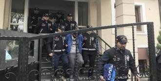 Çaldıkları 22 Otomobille Yakalandılar