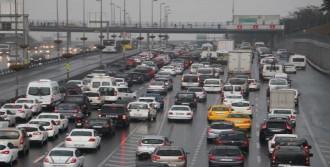İstanbul'da Yağmur Sonrası Trafik Felç Oldu....