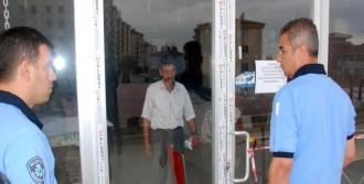 Kapısı Mühürlendi Mahsur Kaldı!