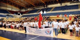 İzmir İl Spor Merkezleri Açıldı
