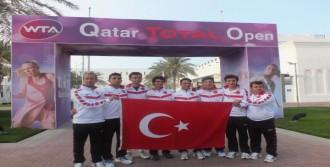İzmir Yamanlar Koleji Teniste Dünya 3'üncüsü