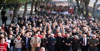İzmir'de DİSK'ten 'kadro' Yürüyüşü
