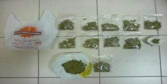 İzmir'de Uyuşturucu Satıcılarına Operasyon