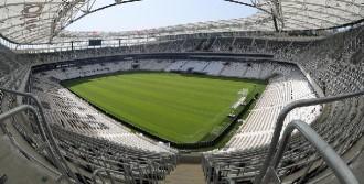 Vodafone Arena Bile Açıldı, İzmir'den Ses Yok
