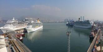 İzmir'e 4 Kruvaziyer Gemisi!