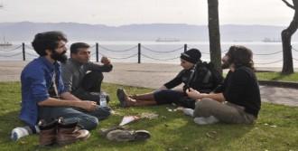 İzmitliler Sıcakta Parklara Ve Sahile Koştu