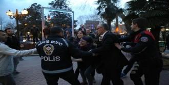 İzmit'te Yürümek İsteyen Kadınlar Gözaltına Alındı
