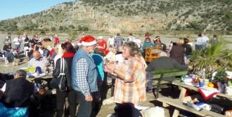 İztuzu'da Yabancılardan Noel Kutlaması