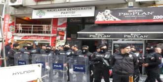 Hdp İlçe Binasına Polis Baskını