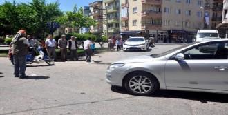 Kadın Sürücüyü Ağlatan Kaza