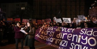 Kadınlar, Kadına Karşı Şiddete Dur Demek İçin Yürüdü