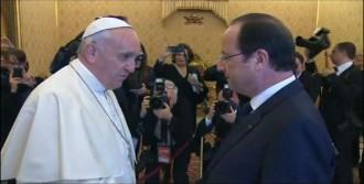 Kadınlardan Kaçtı Papa'ya Sığındı