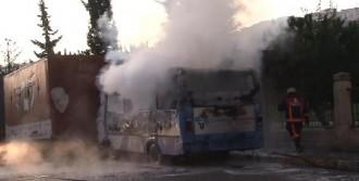 Kağıthane'de Midibüs Yangını
