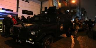 Kağıthane'de Polisle Soyguncular Çatıştı