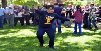 Kahramanmaraş'ta 3 Bin Engelli Doyasıya Eğlendi