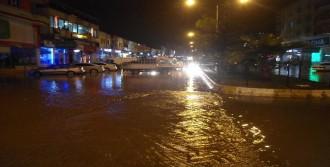 Kahta'da Aşırı Yağış Taşkına Neden Oldu