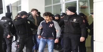 15 Öğrenciye Gözaltı
