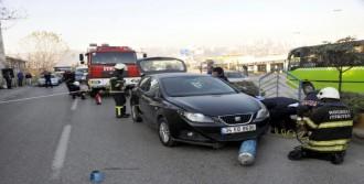 Kamyonetten Düşen Oksijen Tüpü Otomobilin Altına Girdi