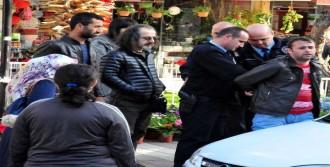 Kapkaç Şüphelisini Yakalayıp, Polise Teslim Ettiler