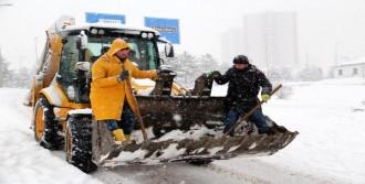 Karabük'te 376 Köy Yolu Kapandı