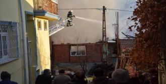 Çocukların Yaktığı Ateş Evi Yaktı