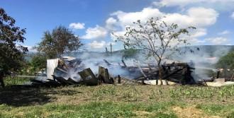 Karabük'te Tek Katlı Ev Yandı