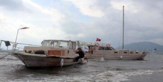 Karaya Oturan Tekneler Böyle Kurtarıldı