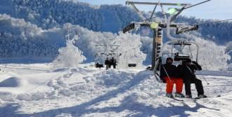 Kartepe'de Kar Kalınlığı 3 Metreye Ulaştı