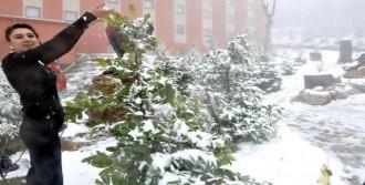 Kartepe'de Umutlandıran Kar Yağışı