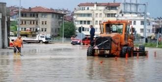 Kastamonu'da Yağmur Ulaşımı Aksattı