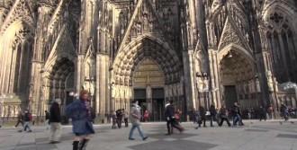 50 Yıl Sonunda Köln Katedrali'nde