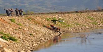 Cesedi Menderes Nehri'nde Bulundu