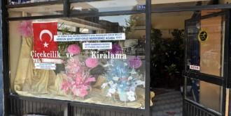 Kayseri'de Teröre, Bayraklı, Yazılı Protesto