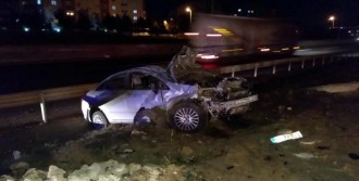 Kaza Yaptığı Otomobili Bırakıp, Kaçtı
