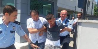 Kendisini Yakalayan Polise Silah Çekip, Kolunu Isırdı