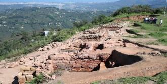 Kibele Heykelinin Bulunduğu Kalede Kazı Çalışmaları Yeniden Başladı