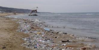 Kilyos Plajı'na Moloz Döktüler