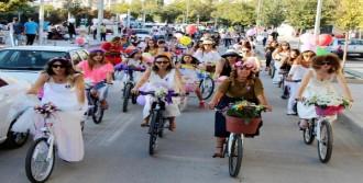 Kırıkkale'de 'Süslü Kadınlar Bisiklet Turu'na Yoğun İlgi
